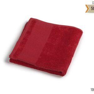 crveni peskir za ruke
